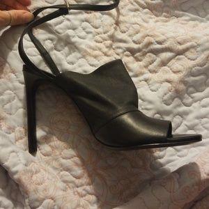 Vince Grace leather Italian peep toe heels 8.5